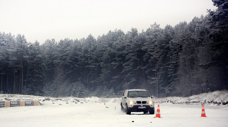 Žiemos vairavimo mokymai